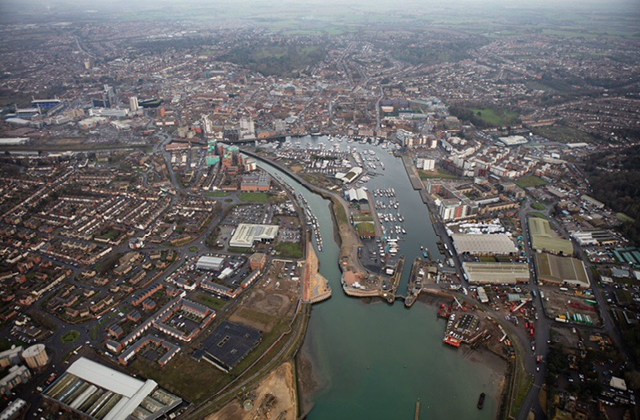 Image of tidal barrier in Ipswich