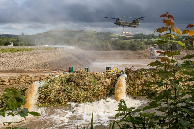 An image of a RAF Chinook and water whaley bridge